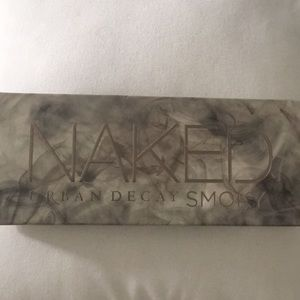 Urban decay smokey palette brand new never used!!